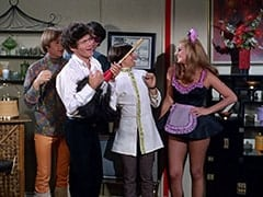 Peter Tork, Micky Dolenz, Mike Nesmith, Davy Jones, Della (Sharyn Hillyer)
