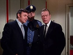Manager (Rip Taylor), Casino Cop (?), Policeman (Dort Clark)