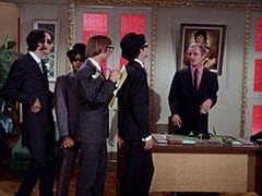 Mike Nesmith, Davy Jones, Peter Tork, Micky Dolenz, Boss (David Astor)