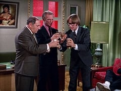 Biggy (Pepper Davis), Boss (David Astor), Peter Tork