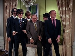 Mike Nesmith, Micky Dolenz, Peter Tork, Biggy (Pepper Davis), Davy Jones, Boss (David Astor)