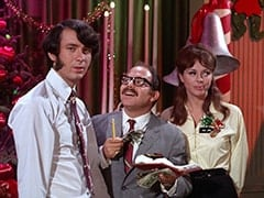 Mike Nesmith, Salesman (Larry Gelman), Salesgirl (Jill Chandler)