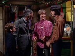 Melvin (Butch Patrick), Doctor (Rege Cordic), Peter Tork, Mike Nesmith