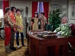 Peter Tork, Mike Nesmith, Micky Dolenz, Daughter (Merri Ashley), Davy Jones, Mendrek (Hans Conried)