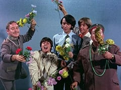 Baron Von Klutz (David Hurst), Davy Jones, Mike Nesmith, Peter Tork, Wolfgang (Stubby Kaye)