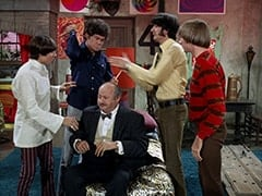 Davy Jones, Micky Dolenz, Mr. Friar (Laurie Main), Mike Nesmith, Peter Tork