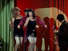 Maxine (Sharon Cintron), Davy Jones, Daphne (Deana Martin), Mike Nesmith