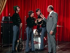 Mike Nesmith, Davy Jones, Micky Dolenz, Latham (Milton Frome)