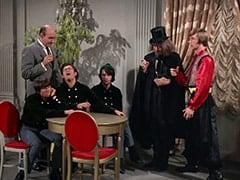 Davy Jones, Latham (Milton Frome), Micky Dolenz, Mike Nesmith, Oraculo (Monte Landis), Peter Tork