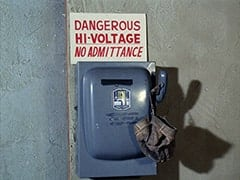 Dangerous / Hi-voltage / No admittance!